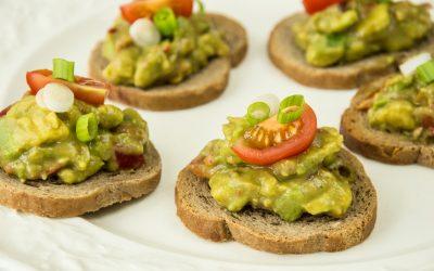 Toast zuurdesem met verse guacamole