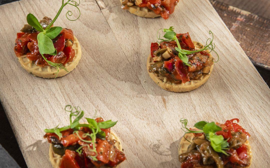Crackers Tuinkruiden met paprika salsa