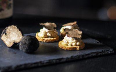 Toast olijf met aardappelsalade & truffel